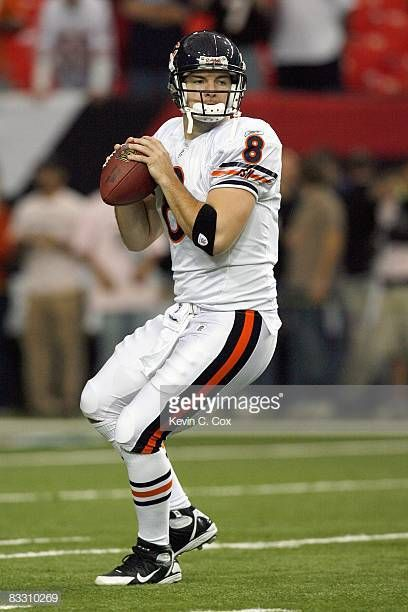 Rex Grossman Of The Chicago Bears Warms Up Before The Game Against With Images Chicago Bears