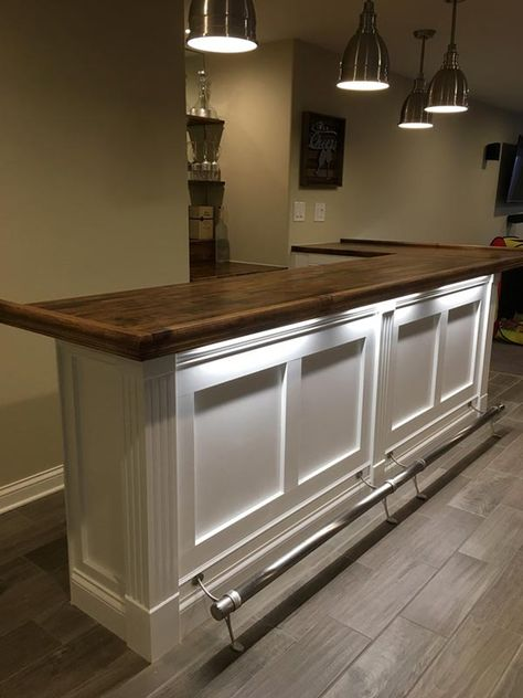 Home Bar with Bar Rail Molding, Fluted Columns & Trim Finished bars by woodworkers, DIYers and commercial builders using traditional Chicago style hardwood bar rails, bar top slabs & bar parts by Hardwoods Inc. Home Bar Plans, Basement Bar Plans, Basement Bar Designs, Home Bar Designs, Basement Renovations, Home Remodeling, Basement Ideas, Rustic Basement, Small Basement Bars
