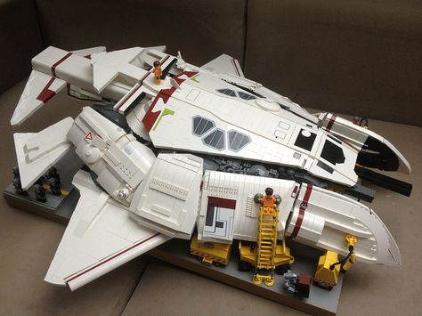 LEGO UBURO class SYD MEAD's stealth dropship... by iomedes