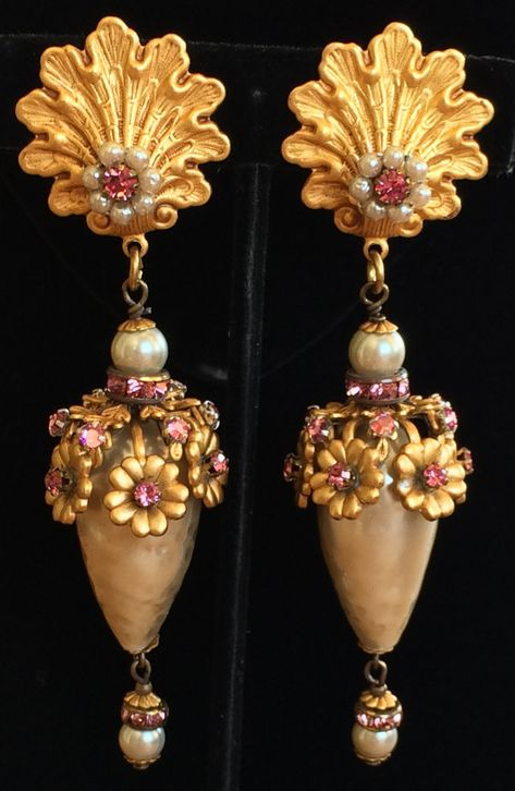 Vintage Costume Jewelry Circa 1970/'s Pressed Flower Pin /& Clip On Earring Set