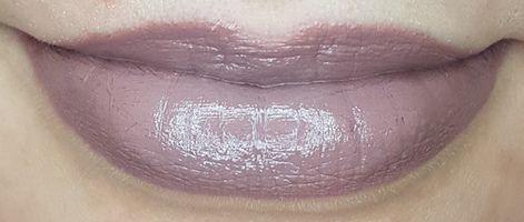 Avon Mark Epic Lipstick with 22 Shades