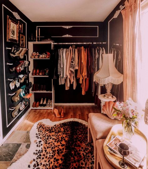 Master Closet, Dream Closets, Aesthetic Rooms, Beauty Room, Dream Bedroom, Apartment Living, My Room, Home Goods, New Homes