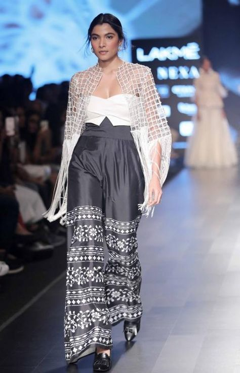 Ridhi Mehra, Jayanti Reddy and Vineet Rahul - Lakme Fashion Week - SR 18 - 4