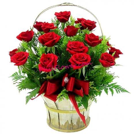 Buy 24 Roses Get Basket Free With Images Online Flower Shop