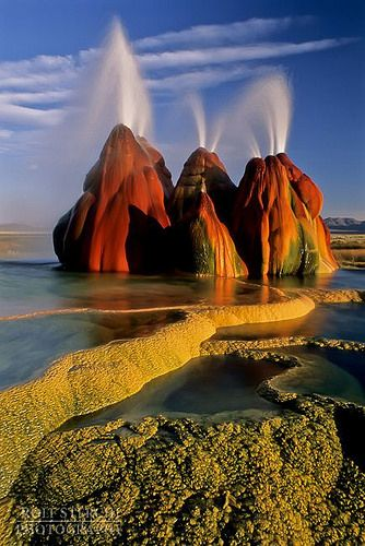 Fly Geyser, Black Rock Desert, Nevada Amazing nature at its best Fly Geyser Nevada, Places To Travel, Places To See, Travel Destinations, Places Around The World, Around The Worlds, Parcs, Amazing Nature, Belle Photo