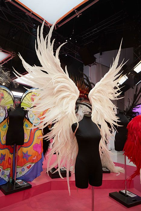 victorias secret angel wings - Google Search. The show was just fabulous, lots of AMAZING WINGS <3