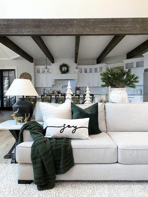 My Living Room, Home And Living, Living Room Decor, Christmas Room, Christmas Pillow, Christmas Heaven, Xmas, Home Interior Design, Family Room