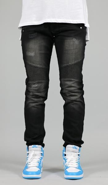 Fit : True Size Waist Skinny If you are looking for a looser fit we suggest one size up - Stretch denim for increased wearability - Contour paneling at knees - Distressed point - Five pocket styling -