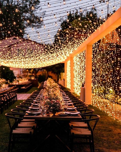 80 Vintage and Elegant Wedding Decoration Ideas in Spring and Summer - Wedding Ideas # Spring Decoration The Effective Pictures We Offer You About unique wedding decor A quali Magical Wedding, Elegant Wedding, Perfect Wedding, Luxury Wedding, Dream Wedding, Wedding Room Decorations, Table Decorations, Decoration Evenementielle, Wedding Table
