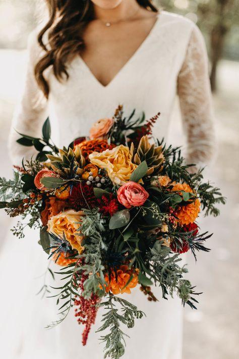 Fall Bouquets, Bridal Bouquet Fall, Fall Wedding Bouquets, Fall Wedding Flowers, Fall Wedding Colors, Floral Wedding, Wedding Favors, Flower Bouquets, Fall Wedding Boutonniere
