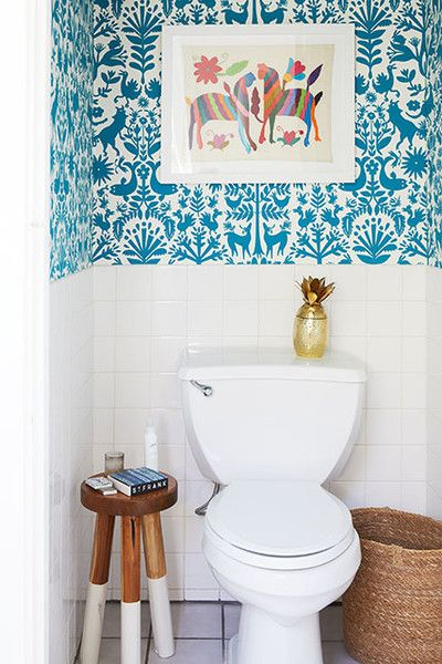 10 Beautiful Half Bathroom Ideas For Your Home Samoreals Powder Room Wallpaper Serena And Lily Wallpaper Lily Wallpaper