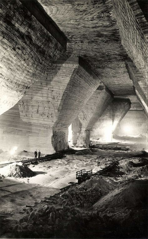 Inside the Royal Hungarian Salt Mine of Désakna (now: Ocna Dejului, Romania), circa 1940.