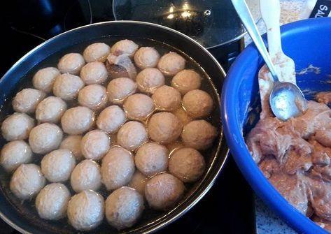 Resep Bakso Daging Sapi Kenyal Seperti Yang Dijual Di Abang Abang Oleh Erna Brockhaus Resep Resep Bakso Resep Ide Makanan