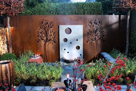 Beautiful corten steel schutting | fencing with tree design by abk-outdoor.com