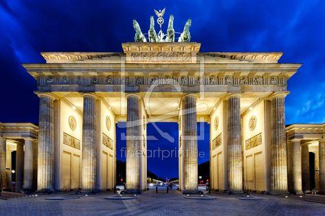 Berlin Brandenburger Tor Als Leinwand Von Licht Wer Brandenburger Tor Berlin Licht Von Fineartprint Rosa In 2020 Photo Canvas Photo Wallpaper Kitchen Mirror