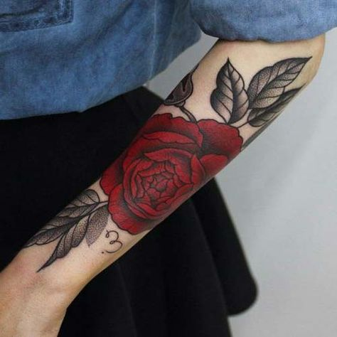 forearm red rose tattoo kirmizi gul kol dovmesi kol dovmesi dovme tattoo