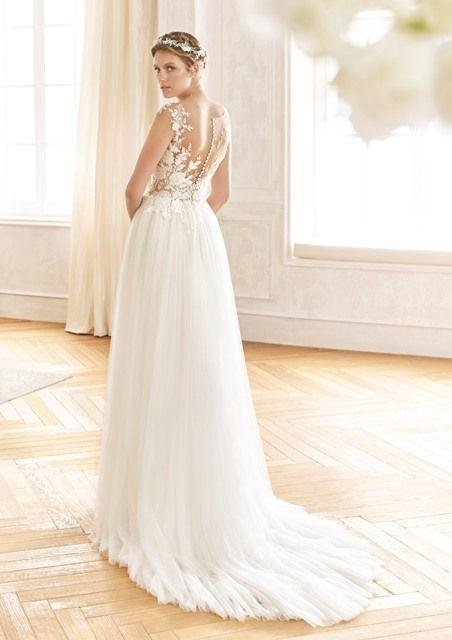 Gefunden Bei Happy Brautmoden Brautkleid Hochzeitskleid La Sposa Tiefer Rucken Ruckenausschnitt Spitze Elegant Roma Brautmode Kleid Hochzeit Brautkleid