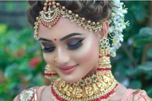 20 Best and Trendy Hairstyle For A Wedding You'll Love - Tikli