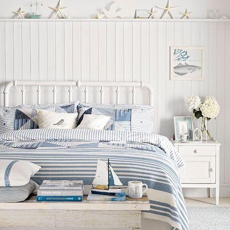 Küsten Schlafzimmer mit Bett Metall Wohnideen Living Ideas