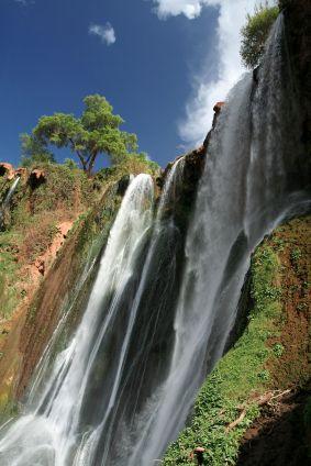 Prenez Les Chemins De Traverses Pour Profiter D Une Douce Journee Aux Pieds De L Une Des Plus Belle Cascade D Afrique Du No Les Cascades Maroc Voyage Marrakech