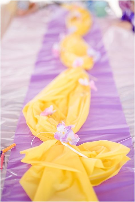 Well this post is a bit late and with a little delay I mean something Rapunzel Rapunzel Birthday Party, Disney Princess Birthday Party, Birthday Party Tables, 4th Birthday Parties, Princess Birthday Party Decorations, Birthday Month, Tangled Party Decorations, Third Birthday Girl, Birthday Ideas