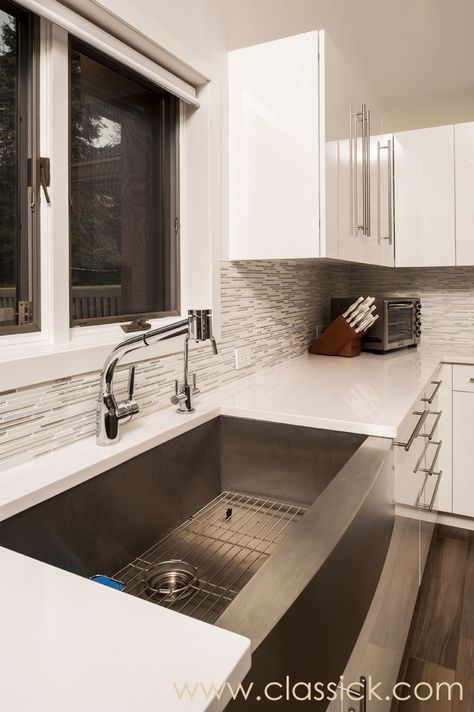 Love this stainless steel farm sink!
