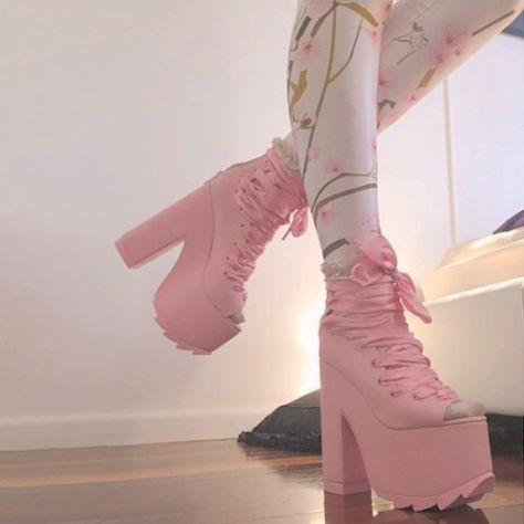 Image shared by Xime Hermida. Find images and videos about pink, shoes and kawaii on We Heart It - the app to get lost in what you love. Black Milk Clothing, Pastel Goth Fashion, Kawaii Fashion, Aesthetic Shoes, Aesthetic Clothes, Pastell Goth Outfits, Chunky Boots, Cute Heels, Kawaii Clothes