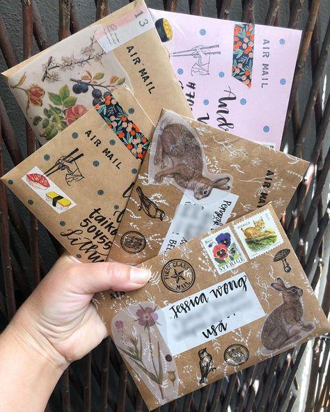 Mail Art Envelopes, Cute Envelopes, 3d Cards, Folded Cards, Planner Writing, Snail Mail Pen Pals, Letter Photography, Pen Pal Letters, Envelope Art