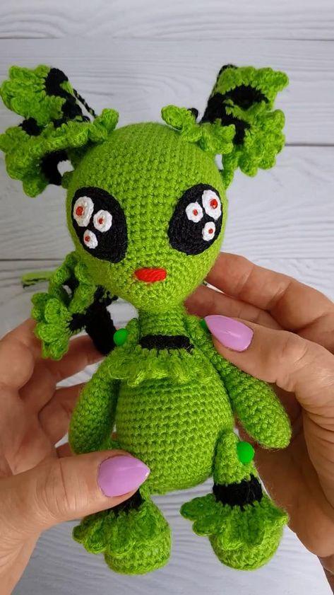 alien crochet pattern, crochet art monster, amigurumi alien, amigurumi fantasy, fantasy crochet pdf
