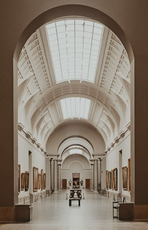 Spain And Portugal, Art And Architecture, Art Museum, Lightroom, Barcelona, Beautiful Places, Art Gallery, Places To Visit, Louvre