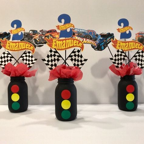 Informations About CARS Birthday Centerpiece, Disney Cars Centerpiece, Cars themed Birthday, Birthda Hot Wheels Party, Hot Wheels Birthday, Race Car Birthday, Race Car Party, Monster Truck Birthday, Hot Wheels Cake, 3rd Birthday, Birthday Ideas, Monster Trucks