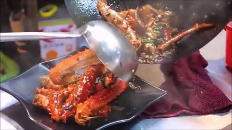 Chinese Street Food King Crab And Obster Fresh Seafood Attractive Food Chinese Street Food Food And Drink