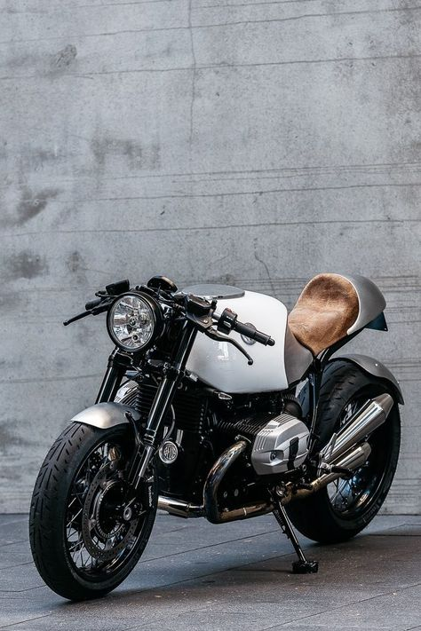 BMW R nineT Cafe Racer Heinrich by Deus Customs #caferacer #RnineT #motorcycles | caferacerpasion.com