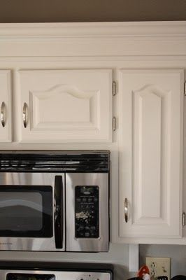 Download Wallpaper White Kitchen Cabinets With Dark Hinges