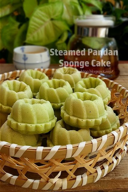 Steamed Pandan Sponge Cake Ingredients 2 Eggs 100g Caster Sugar 140g Pandan Coconut Milk Blend Pandan Leaves Steam Cake Recipe Asian Desserts Pandan Cake