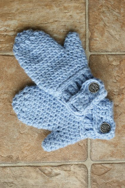 Ravelry: Darla's Easy-On Mittens pattern by Oombawka Design