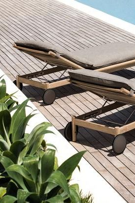 Rollliege Aus Teak Tibbo Von Dedon Bild 15 Sonnenliege Liege Garten Gartenliege