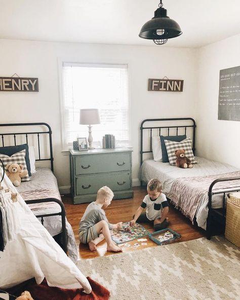 Home Interior Colour Amy Shared Boys Rooms, Shared Bedrooms, Boy And Girl Shared Bedroom, Big Boy Bedrooms, Kids Bedroom, Boy Rooms, Kids Rooms, Twin Beds For Boys, Boys Room Decor