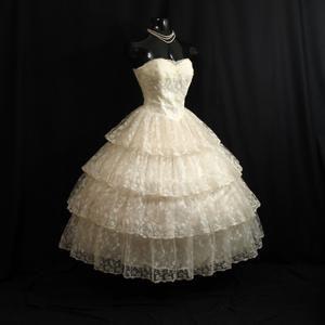 1950/'s Tiered Strapless Vintage Wedding Dress