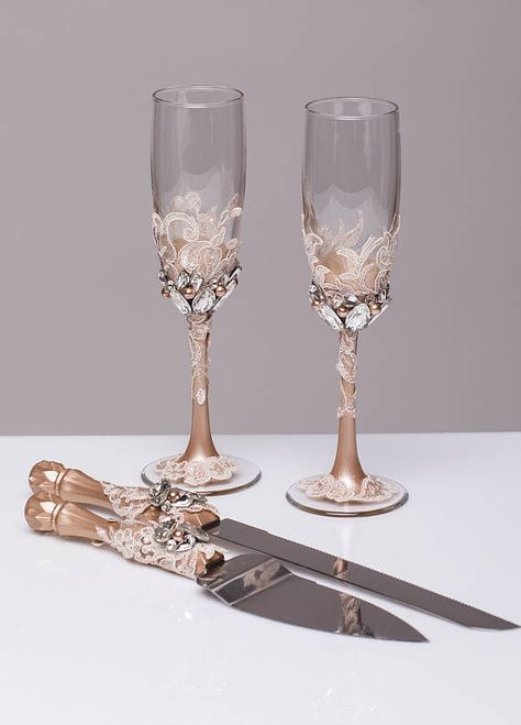 Champagne Wedding Cake Server Set Wedding Cake Knife Knife Etsy Wedding Glasses Wedding Champagne Flutes Wedding Champagne Glasses
