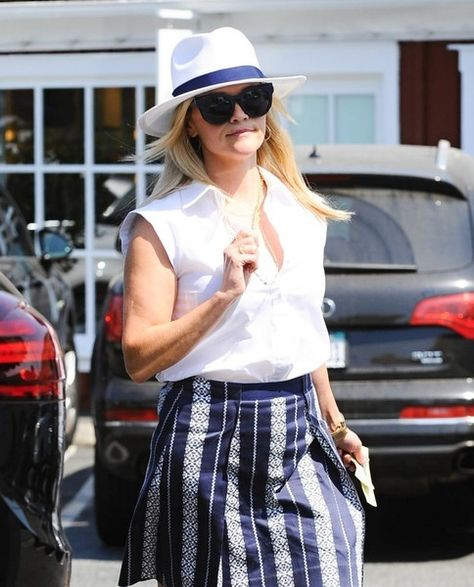 Reese Witherspoon heads to meet a friend in Los Angeles.