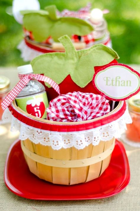 I am a sucker for Strawberry-themed parties!!!