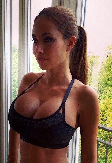 Young big boob babes