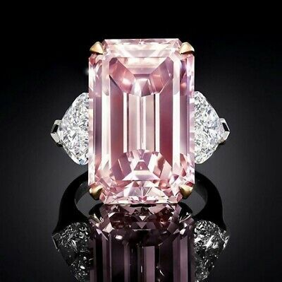 Pure carat pink diamond by Graff Diamonds. Its flawless emerald cut facets mesmerise and captivate with intense perfect beauty. Pink Jewelry, Jewelery, Graff Jewelry, Morganite Jewelry, Silver Jewelry, Bijoux Or Rose, Pink Diamond Ring, Ring Verlobung, Diamond Are A Girls Best Friend