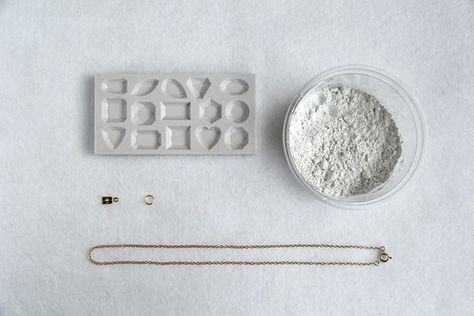 Pastel Gemstones materials in detail, step by step Pastel Gemstones materials in detail, step by step
