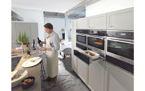 cuando uno tiene claras estas pautas, se fija en el diseño, y los #electrodoméstios Miele han presentado PureLine, una línea de hornos con el frontal en cristal que puedes elegir entre blanco (PureLine Brilliant White), negro (PureLine Obsidian Black), marrón (Pureline havana Brown) y acero inoxidable (ContourLine Acero). - See more at: http://cocinasrio.com/pureline-los-electrodomesticos-miele-que-hacen-la-cocina-perfecta/#sthash.VVWCRgxT.dpuf