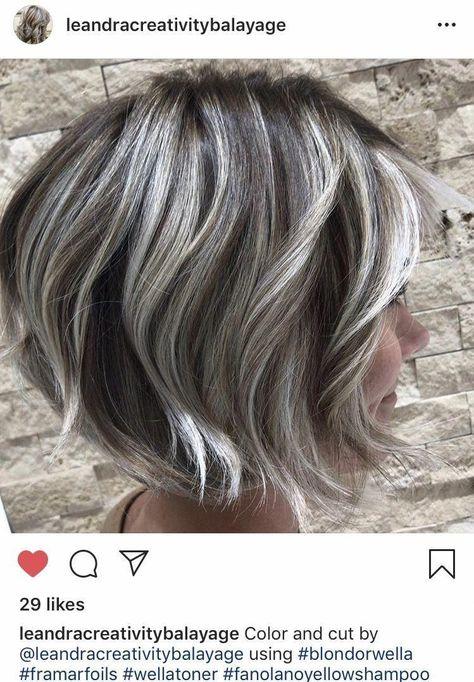 Cut and color by Leandra - Frisuren Hair Long Thin Hair, Short Grey Hair, Grey Hair Transformation, Medium Hair Styles, Curly Hair Styles, Gray Hair Highlights, Grey Hair Inspiration, Gray Hair Growing Out, Silver Grey Hair
