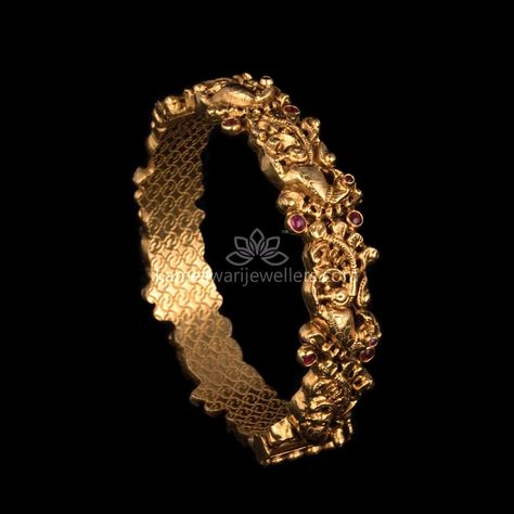 Elegant gold bangles collections by Kameswari Jewellers. Buy gold bangles online from South India's finest goldsmiths with 9 decades of expertise.