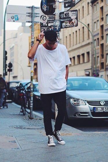 Richy Koll Converse Sneakers, H&M Pants, H&M Vintage Shirt