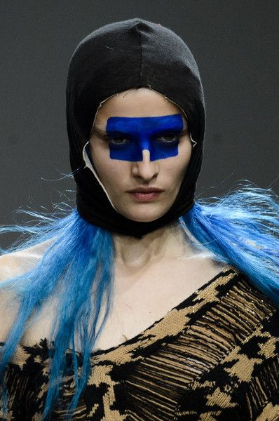 Matty Bovan, Fall 2018 - The Best Hair And Beauty Details At London Fashion Week - Photos